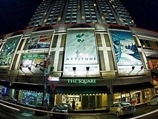 Jika Anda Kebetulan Sedang Mencari Hotel Berbintang Di Sekitar Bandara Internasional Juanda Surabaya Mungkin The Square Ini Bisa Menjadi