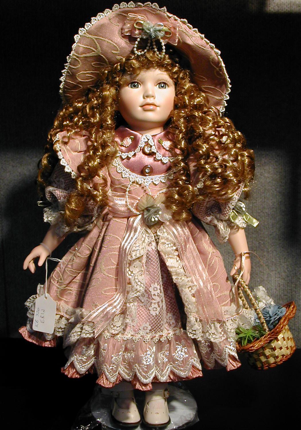 http://2.bp.blogspot.com/-wu3nUOjtWvU/Tm-QjtF0VSI/AAAAAAAAANc/c6h_2CybBlo/s1600/china+doll.jpg