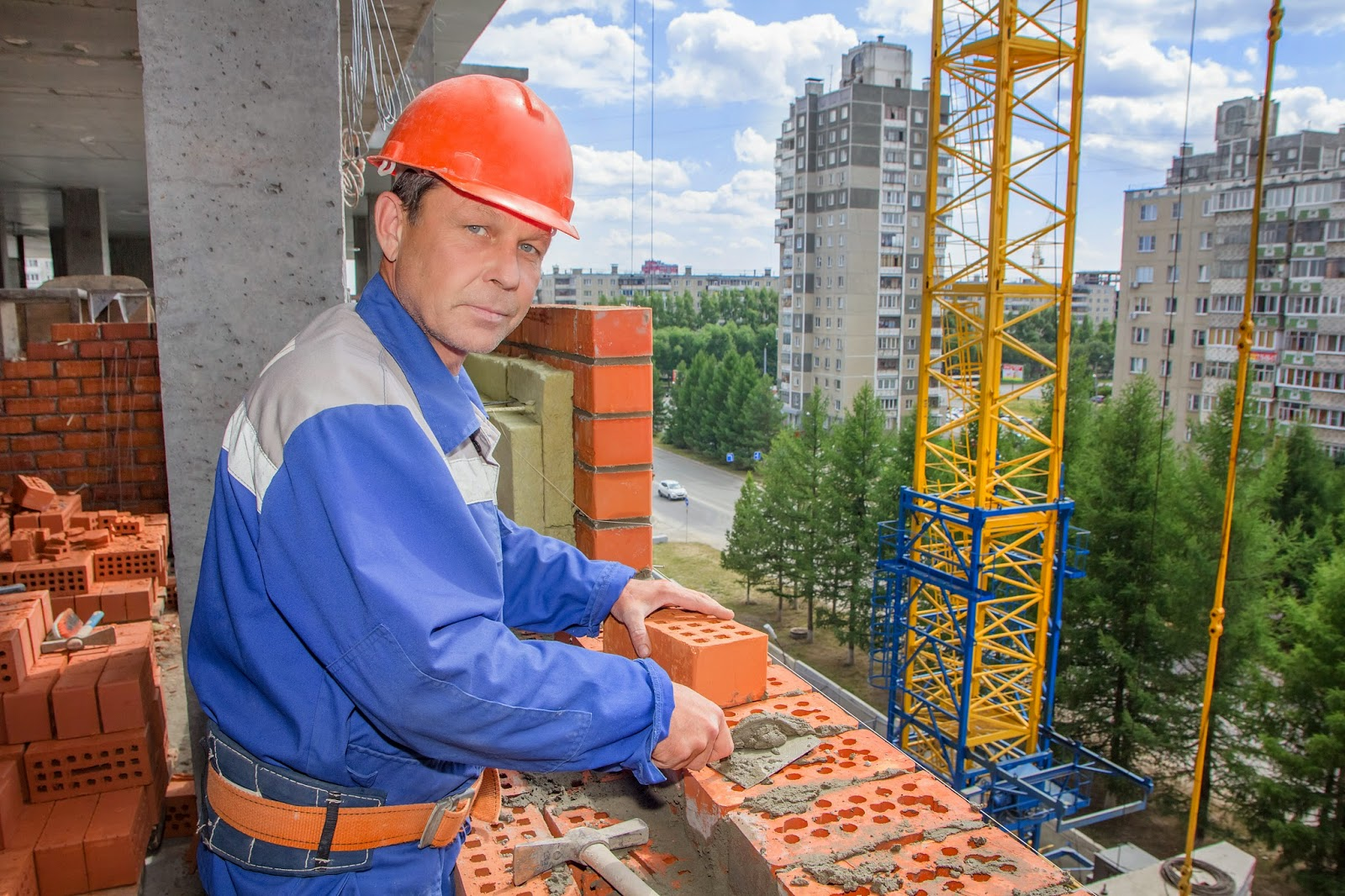 Рабочие люди - перевод на английский  reverso