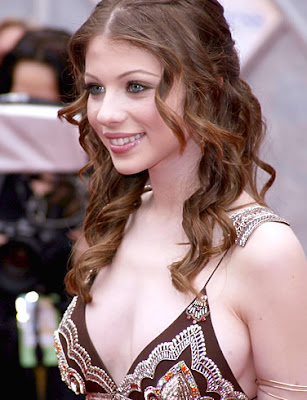 michelle trachtenberg dog. Hanukkah Hottie #5 Wishes You A Merry Christmas