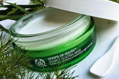 Kosmetik Peremajaan Kulit Pemakaian Sebelum Tidur