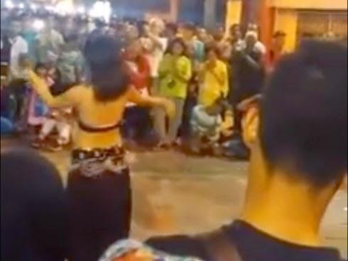 PANAS Tarian Gelek di Bazar Karat JB Dikecam
