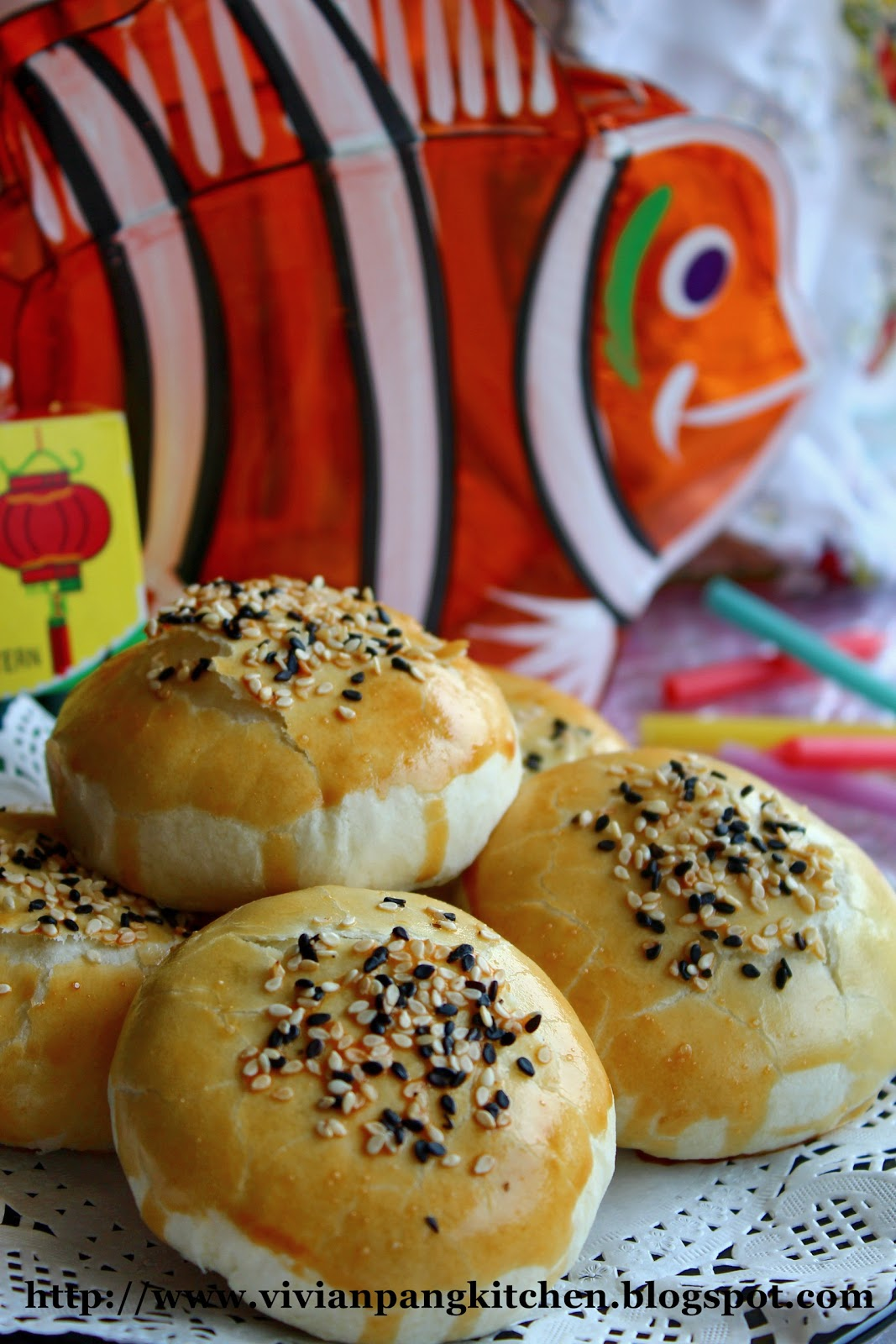 Vivian Pang Kitchen: Flaky Mooncake with Red Bean Filling
