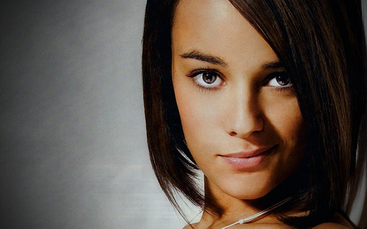 Alizée Jacotey Hottest Actress Pictures Wallpapers