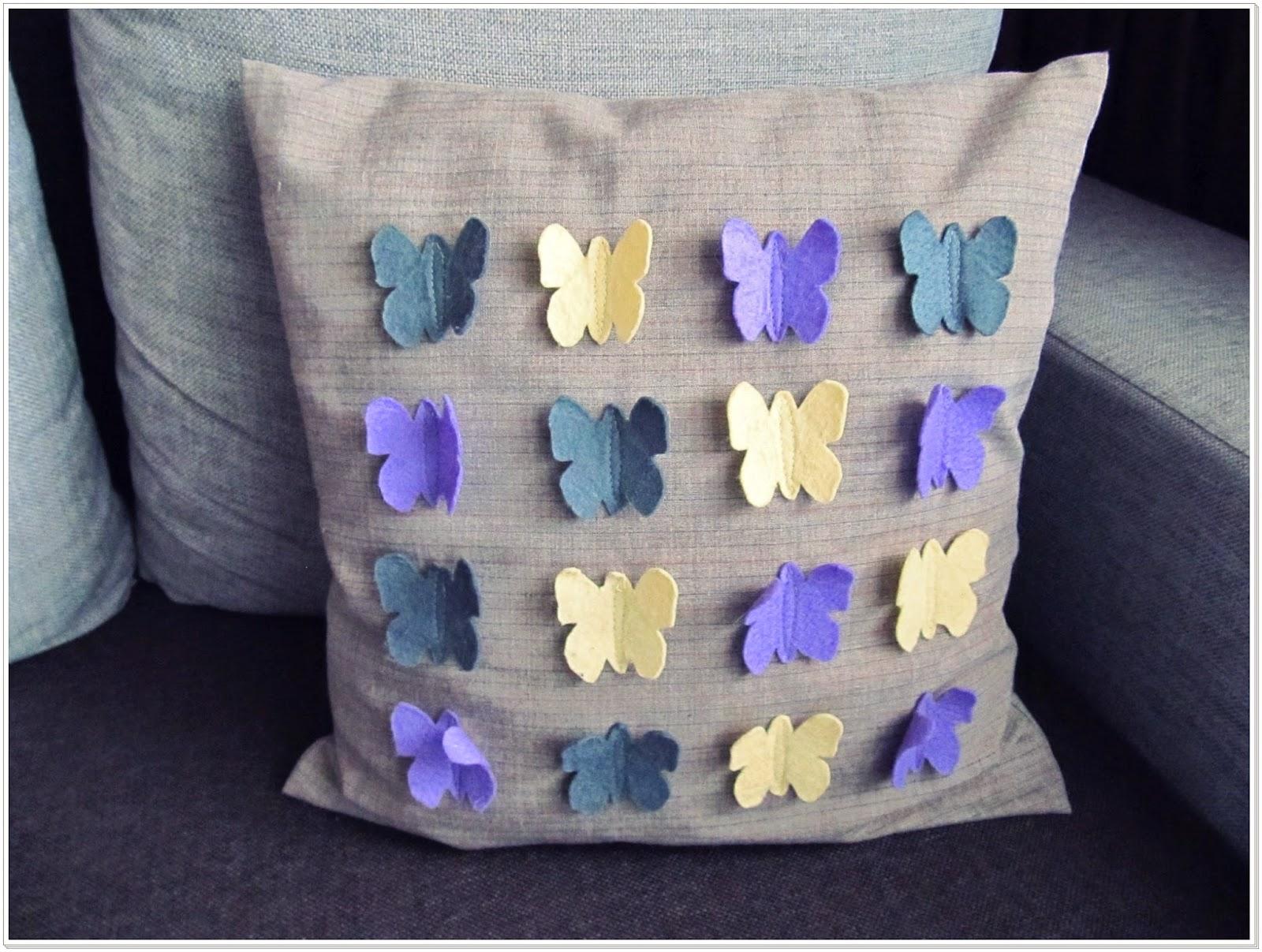 Poduszka z przestrzennymi motylami