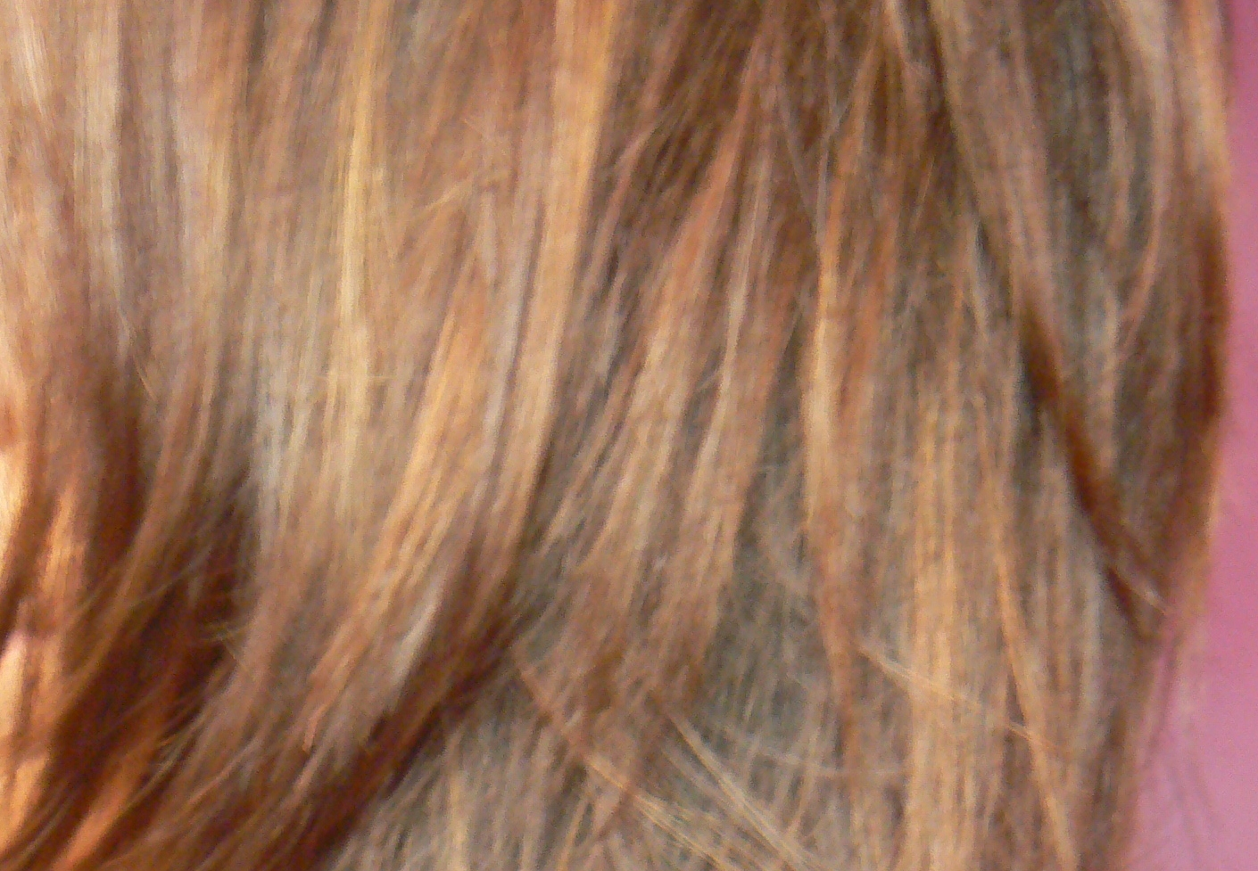 Red And Caramel Highlights At the mo it's a caramel brown