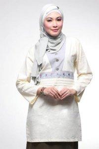 Najya Blus J09 - Putih Gading (Toko Jilbab dan Busana Muslimah Terbaru)