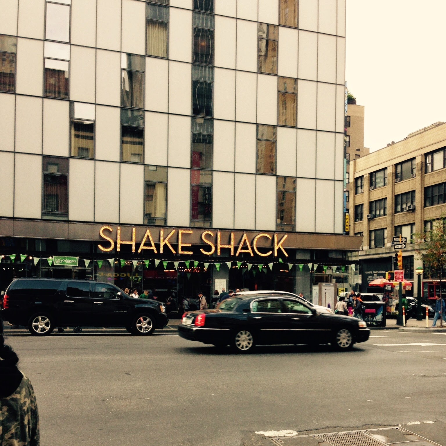 NY 10/2014° - Pour un burger façon fast but good: Shake Shack !