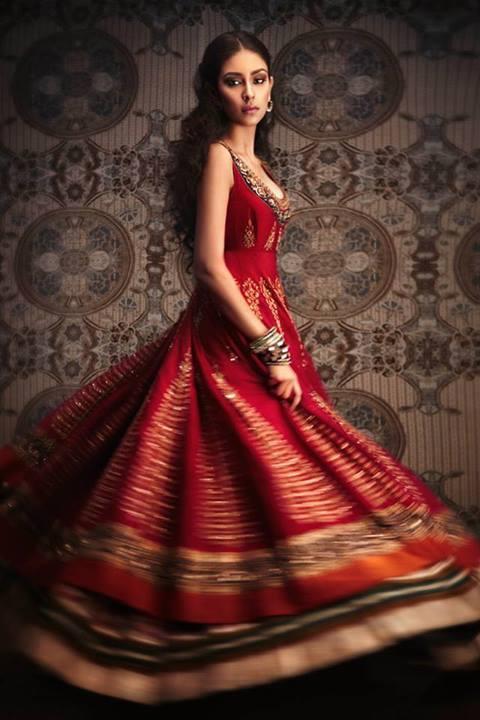 Actress Navneet Kaur Photoshoot Pic
