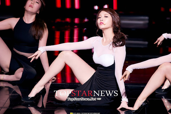 Girls Day Something Live Yura