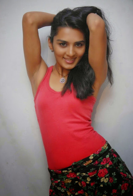 Sindhu Lokanath Picture in red top