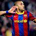 Barcelona se pronuncia após ato racista contra Daniel Alves