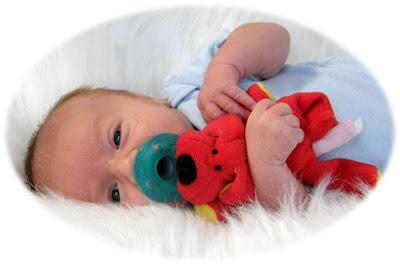 Chupeta prejudica fala, respiração e mastigação de bebês