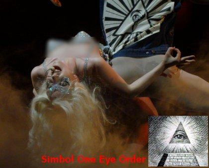 simbol setan lady gaga