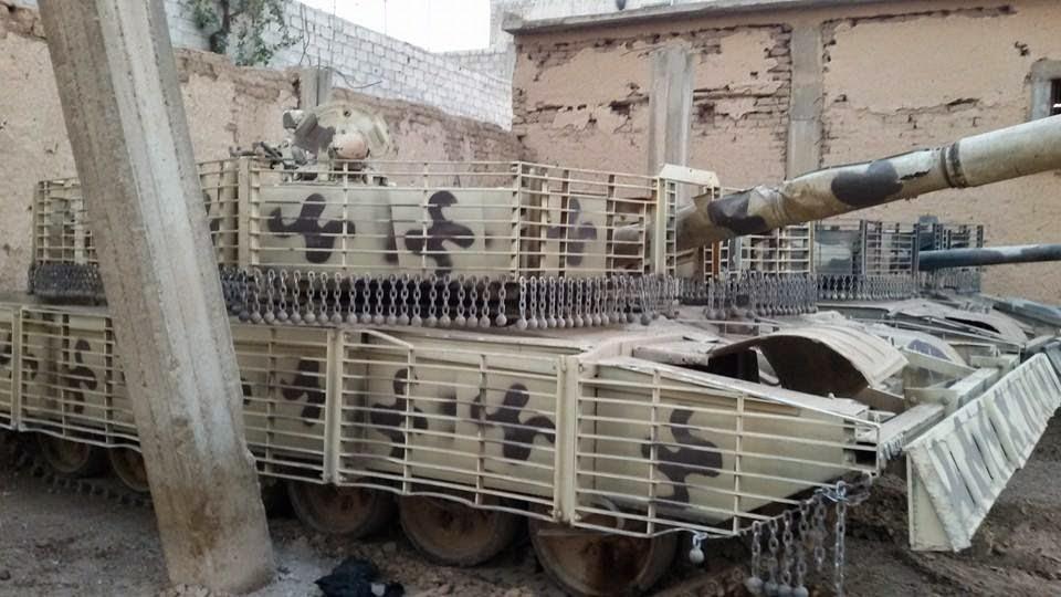 الوحش الفولاذي لدى قوات الجيش السوري .......الدبابه T-72  1450674_415705425248374_626318456432195828_n