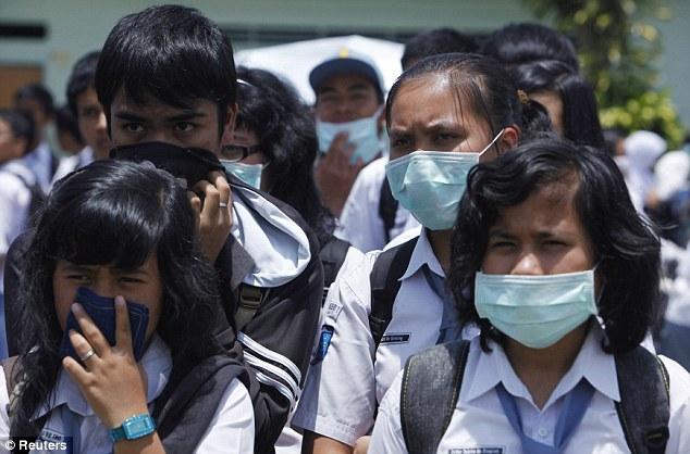 Udara di Tebo Berbahaya Bagi Balita dan Penderita Asma, PMI Himbau Masyarakat Gunakan Masker