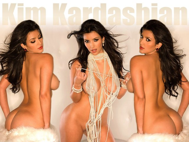 kardashian-girls-in-the-nude-daughter