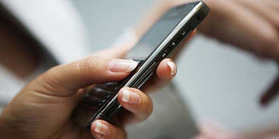 Kerugian Akibat SMS Sedot Pulsa Milliaran Rupiah