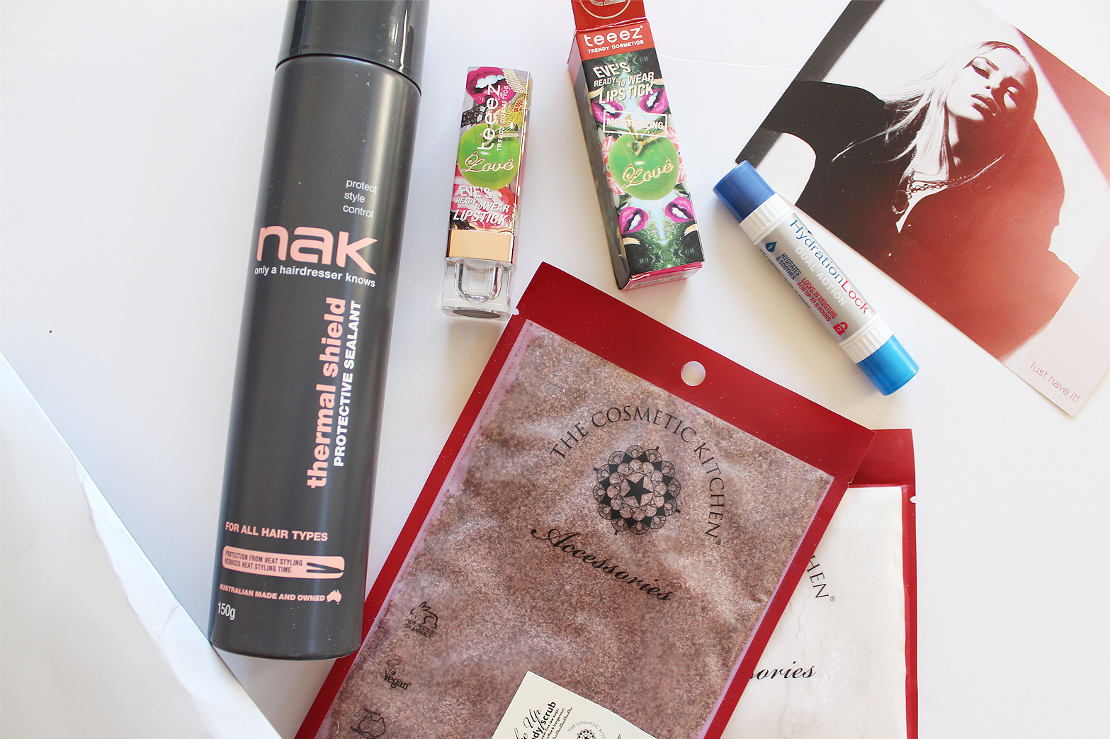 LUST HAVE IT   Women's Beauty Box June '15 - Unboxing + Initial Thoughts - CassandraMyee