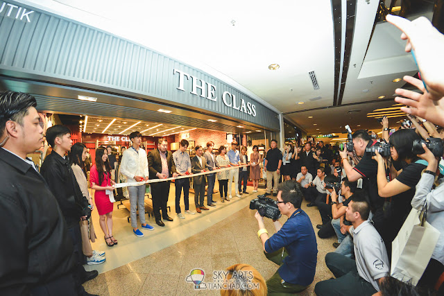 Ribbon cutting ceremony with CNBLUE at The Class Malaysia