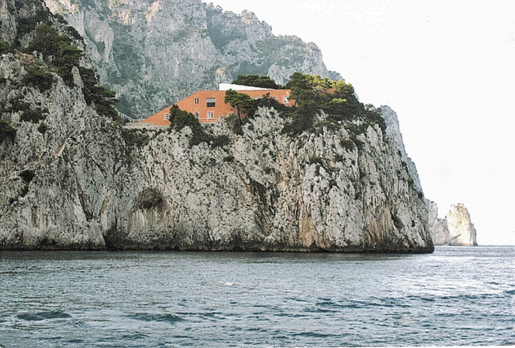 Artchist casa malaparte in capri adalberto libera for Villa curzio malaparte