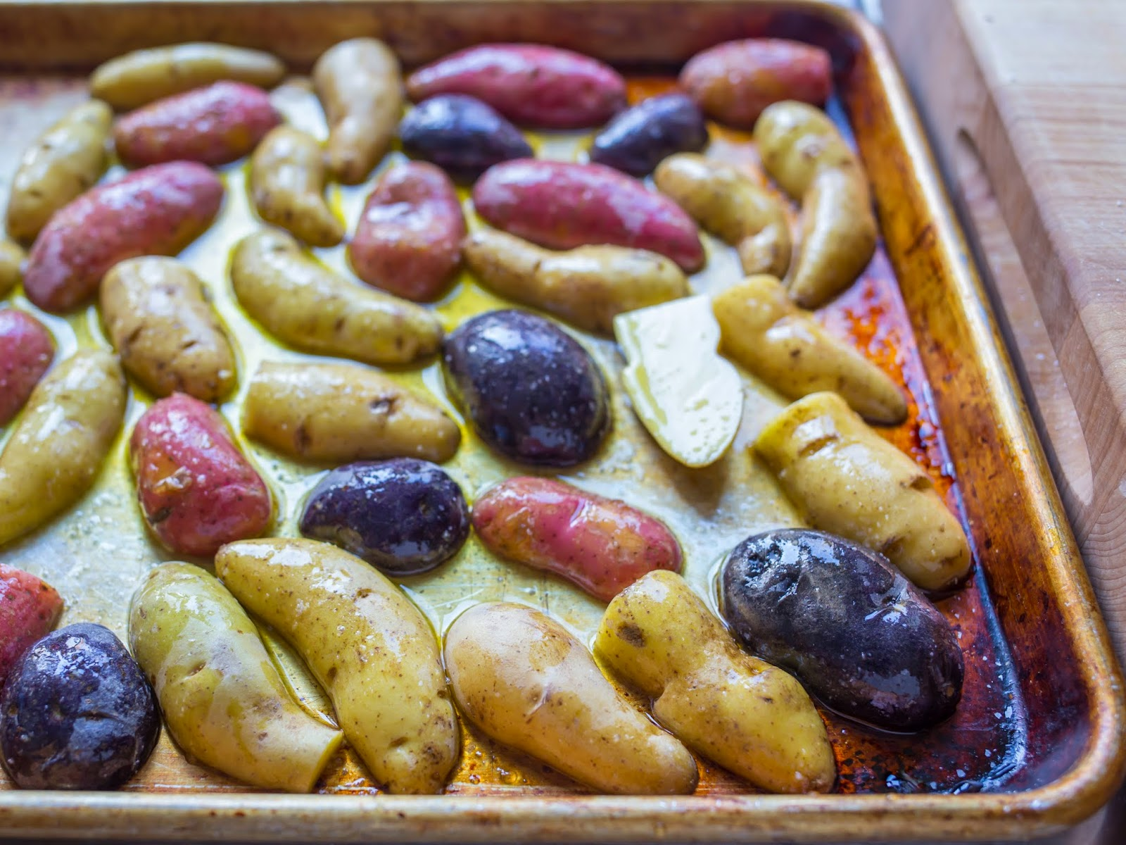 Oven Roasted Crispy Fingerling Potatoes - Dad Cooks Dinner