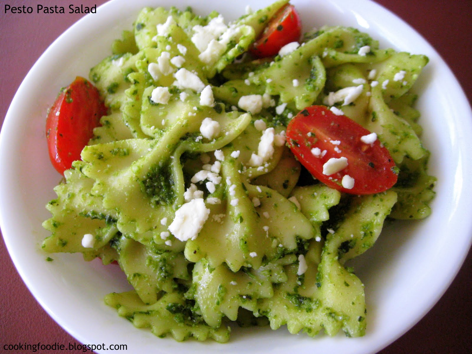 365 days of Eating: Pesto Pasta Salad