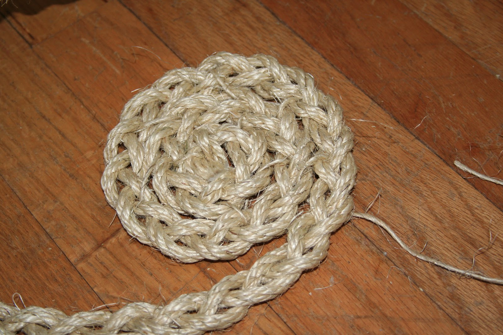 how to make a braided rope rug
