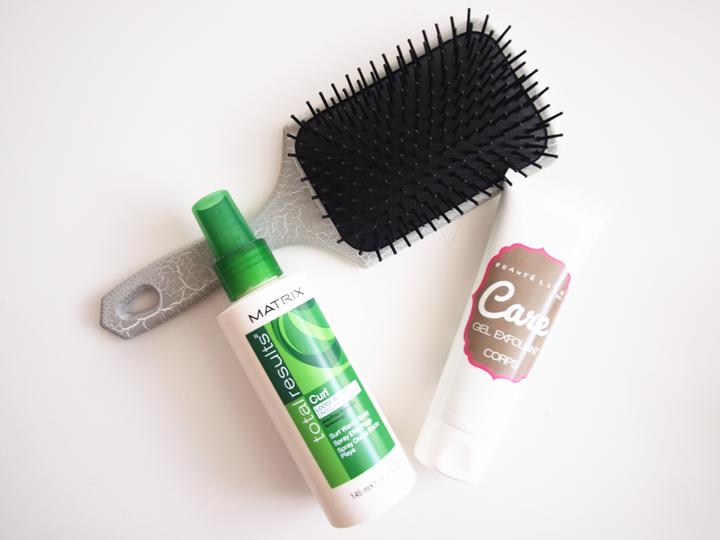 brosse à cheveux paddle carré