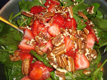 Spinach and Strawberry Salad with Walnuts