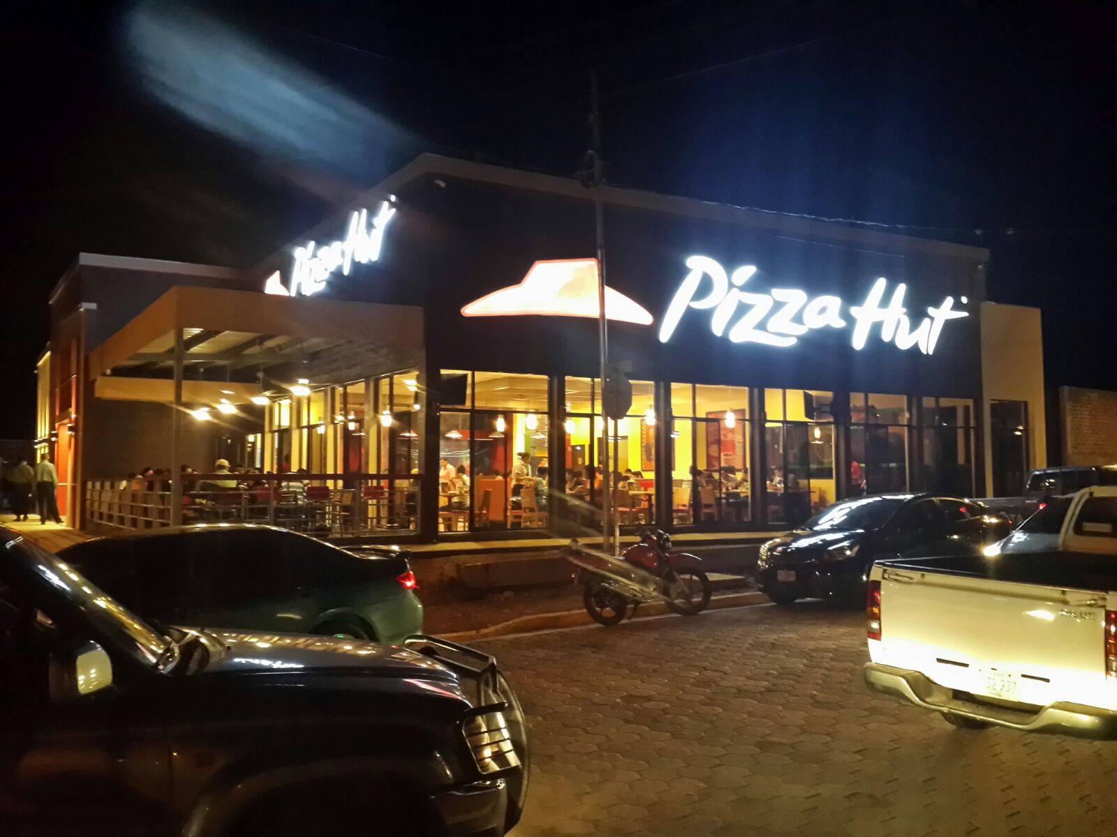 Pizza hut inaugura nuevo restaurante en estel rvn - Restaurante pizza hut ...