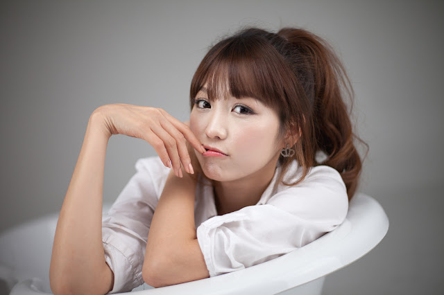 8 Lee Eun Hye - White Shirt and Bath Tub-very cute asian girl-girlcute4u.blogspot.com