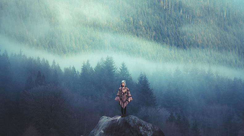 Humanos diminutos perdidos en la majestad de la Naturaleza