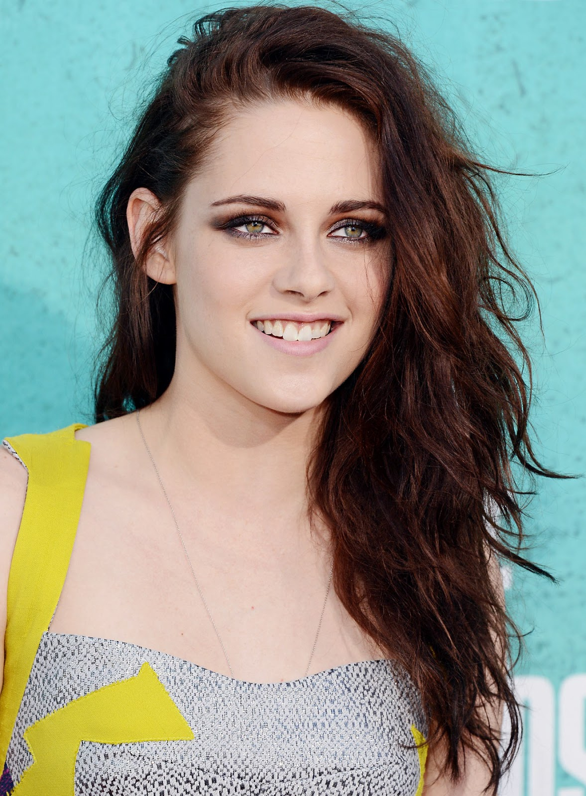 Download this Hollywood Actress Kristen Stewart Biography Age Height Weight Film picture