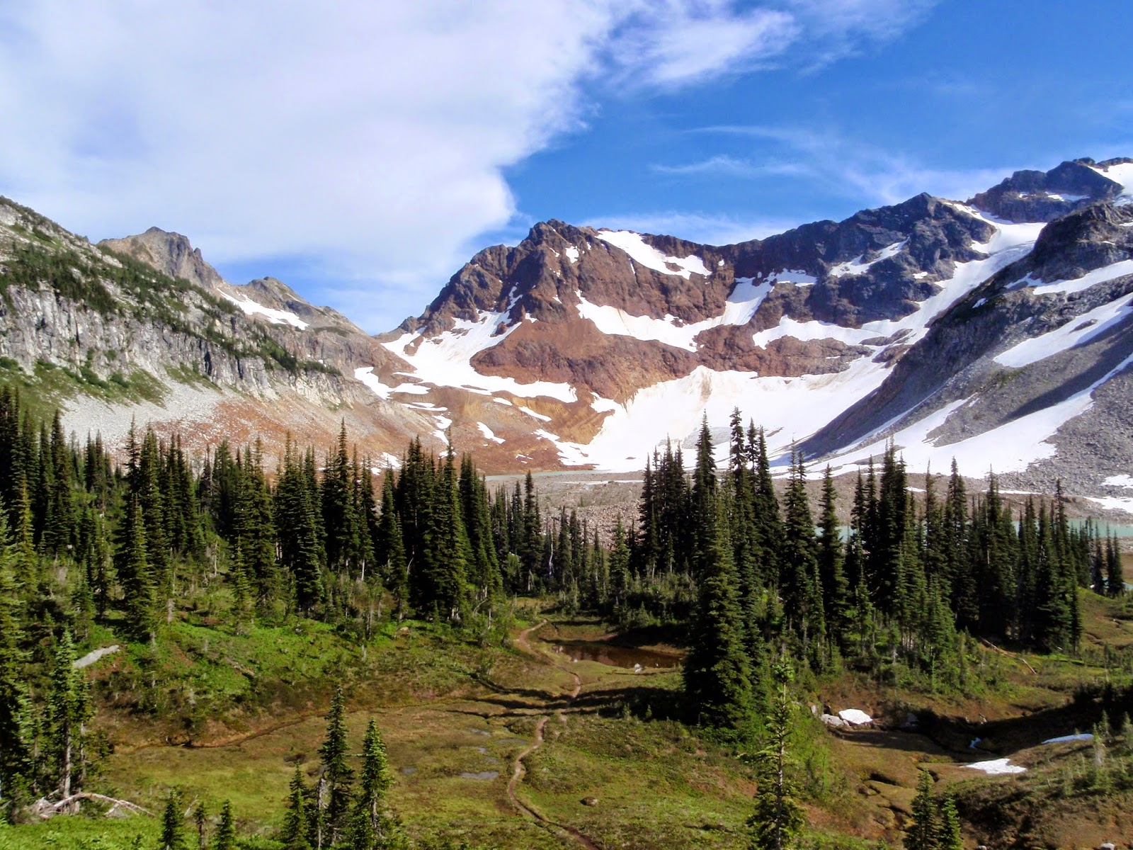 View back toward Upper Lyman Lakes, bogs and Spider Gap @ Glacier Peak Wilderness