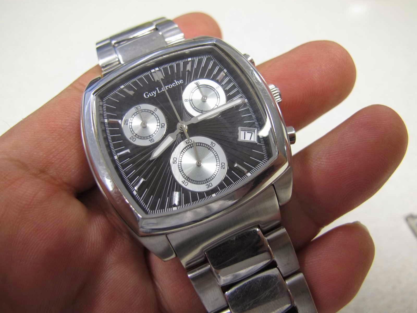 Cocok untuk Anda yang sedang mencari jam tangan Quartz Chronograph dengan bentuk case Toneau dial hitam GUY LAROCHE CHRONOGRAPH