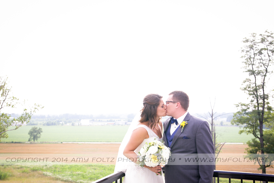 bride and groom at Shrine Hill Country Place in Terre Haute, Indiana