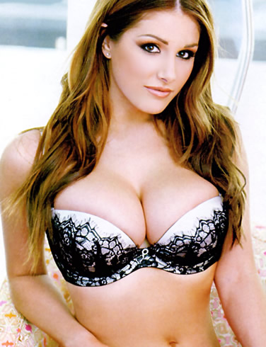 lucy pinder breasts