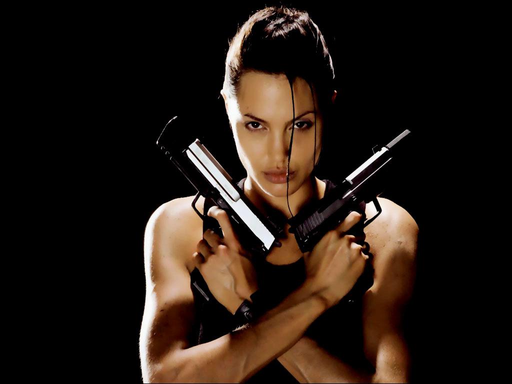 http://2.bp.blogspot.com/-wzun99HPWhc/TniNWymfGII/AAAAAAAACX0/t4XWaQowkb4/s1600/Angelina_Jolie+with+two+guns.jpg