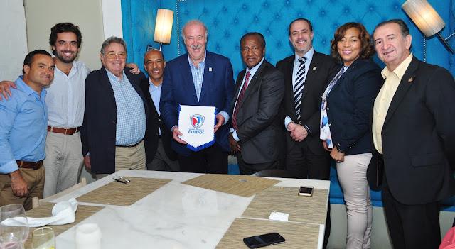 Vicente Del Bosque visita RD y muestra su apoyo a Fedofútbol