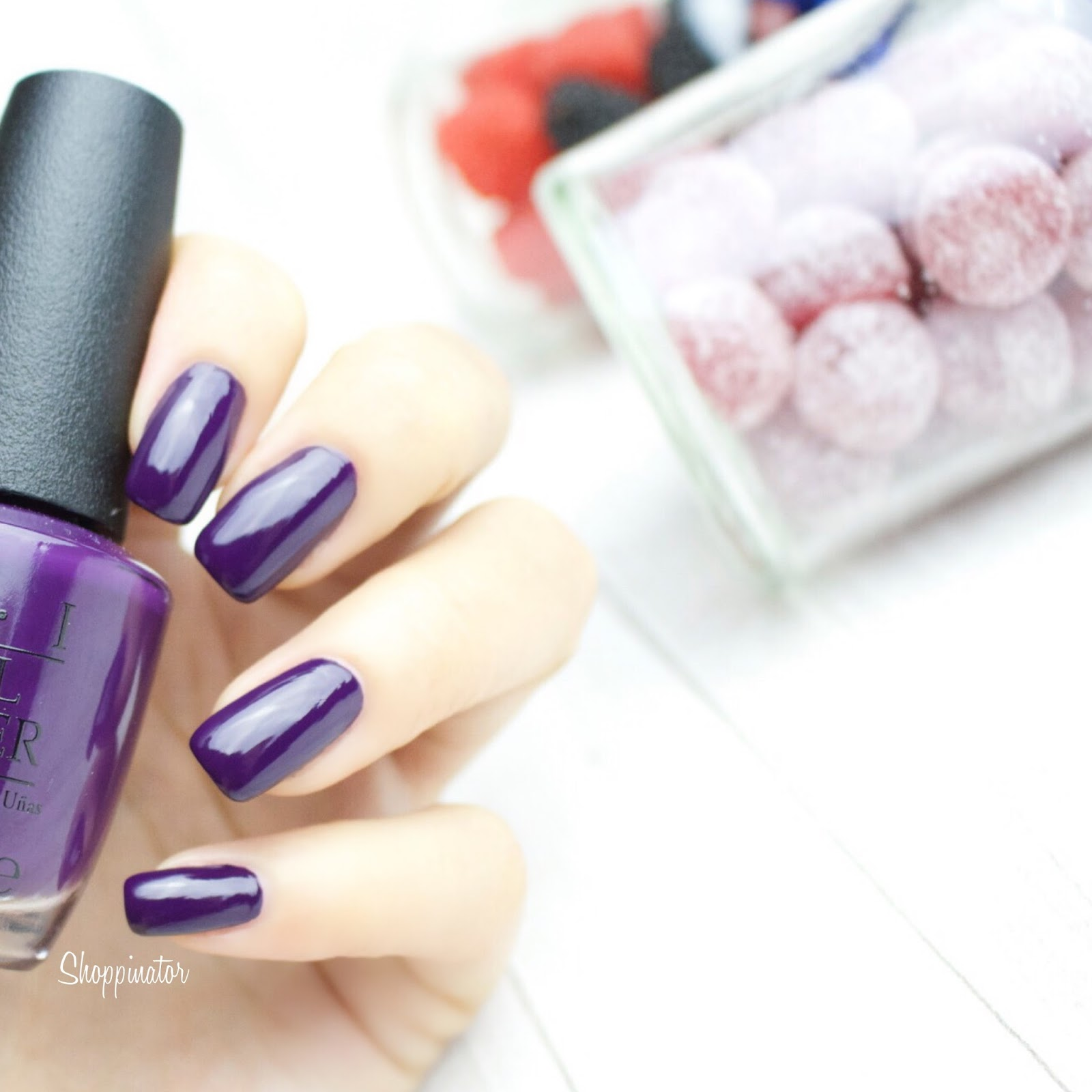 Opi-Coca-Cola-100-Jahre-LE-limitiert-Nagellack-Nailpolish-Coke-Shoppinator-Icons-of-Happiness-Visions-of-Georgia-Green-turn-on-the-haute-light-Grape-Affair-Sorry,I'm-fizzy-today-Coca-Cola-Red-Lila-Rot-Silber-Metallic-Grün-Rosa-Pink-Korall-Polish-Swatch-Swatches-Review