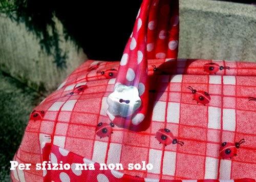 borsa-bauletto_bottoni_madreperla