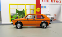 Kyosho  Volkswagen Golf GTI minicar orange
