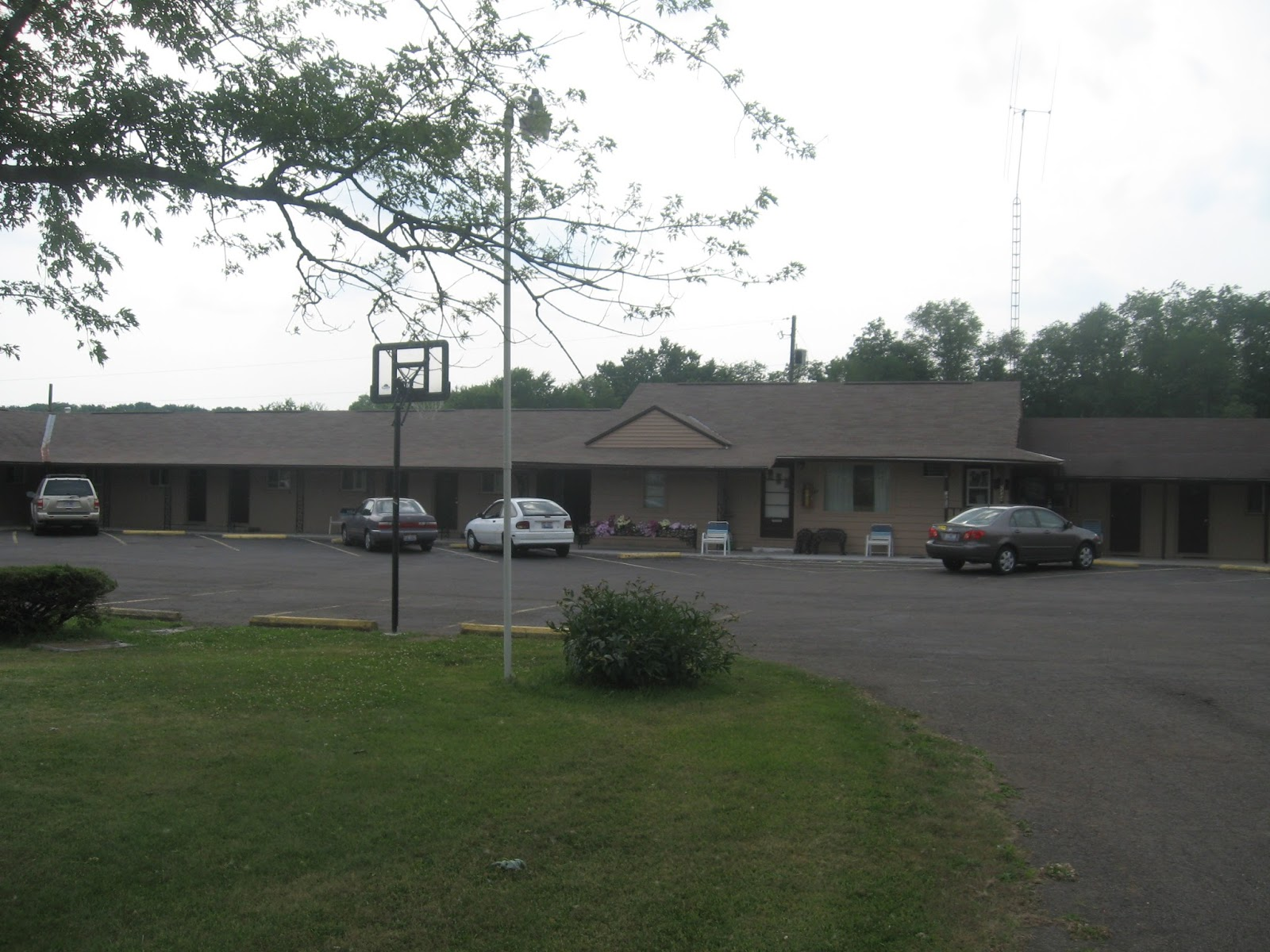 42 motel mansfield oh budget hotel weekly rate hotel. Black Bedroom Furniture Sets. Home Design Ideas