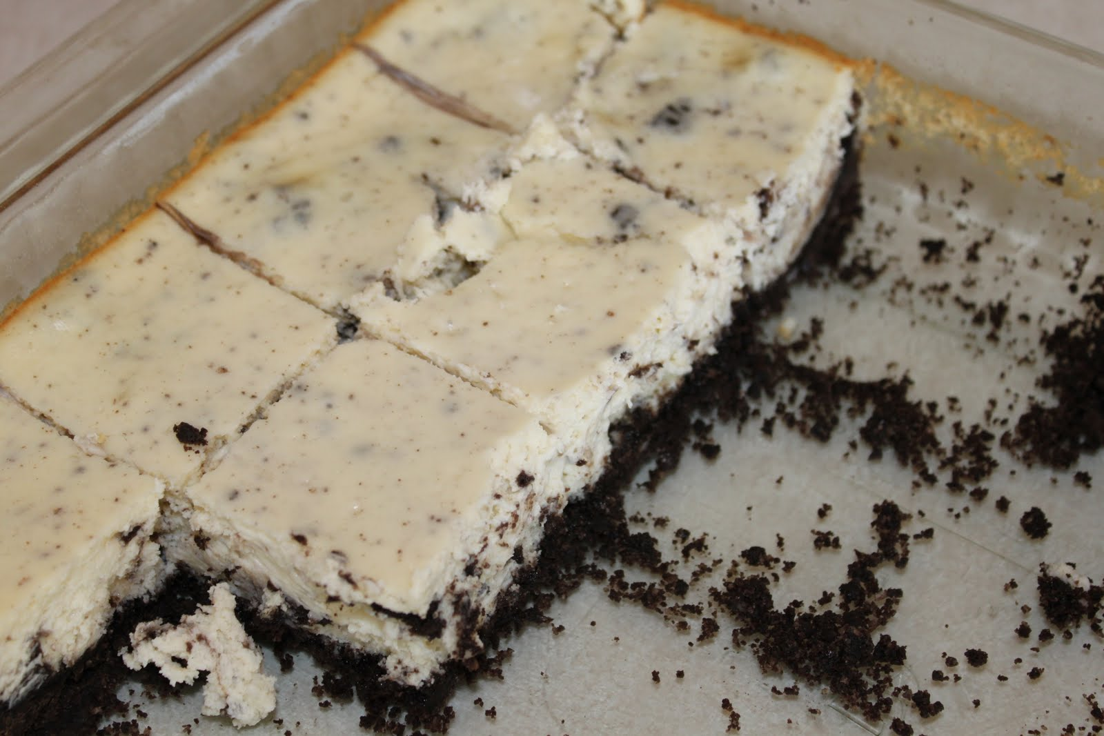 HUNGRY?: Cookies and Cream Cheesecake bars