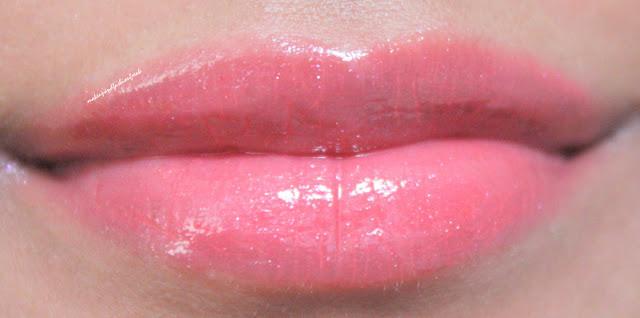 L'Oreal Paris Colour Riche Extraordinaire Liquid Lipstick in Coral Encore