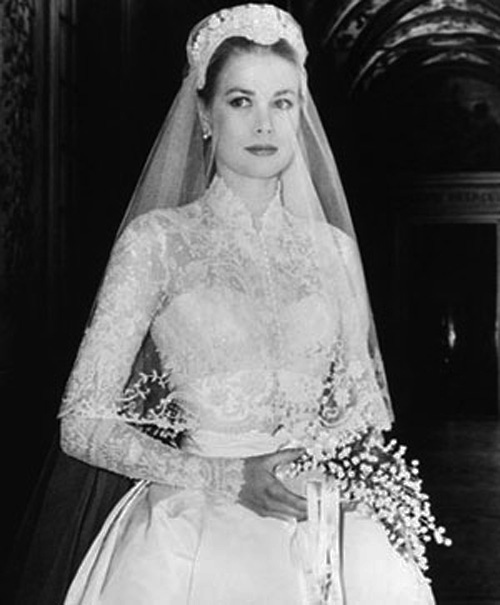 Grace kelly 39 s dress from the swan up for auction at for Grace kelly inspired wedding dress