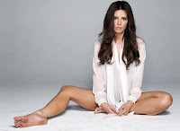 Kate Beckinsale bare feet