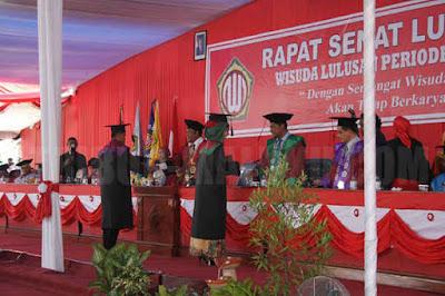 Universitas Darusalam (Unidar) Ambon mewisudakan 314 Wisudawan Periode Ke II 2015 yang berlangsung di kampus Unidar, Tulehu, Sabtu (31/10).