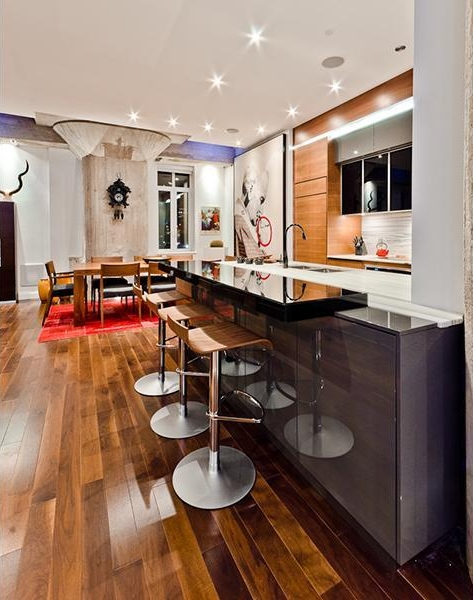 Picture of bar in the kitchen